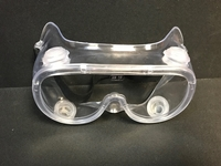 Lightweight safety goggles with tough polycarbonate lens